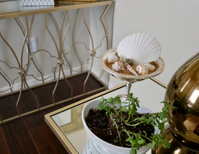 Side Table Shell Centerpiece
