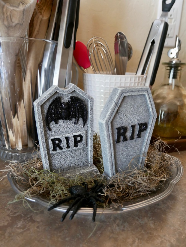 Our Halloween Decor {Details Blog}