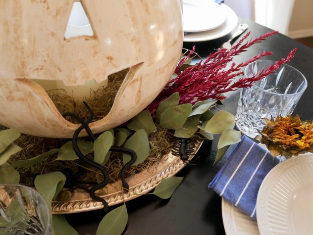 Halloween Floral Table Setting {Details Blog}