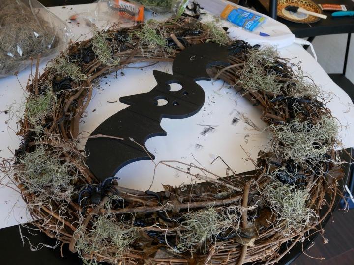 DIY Creepy Crawly Halloween Wreath {Details Blog}