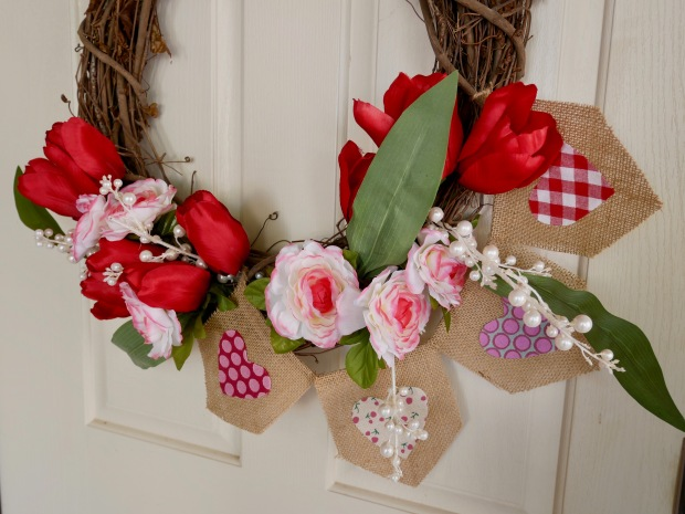 Easy DIY Valentine's Day Wreath {Details Blog}