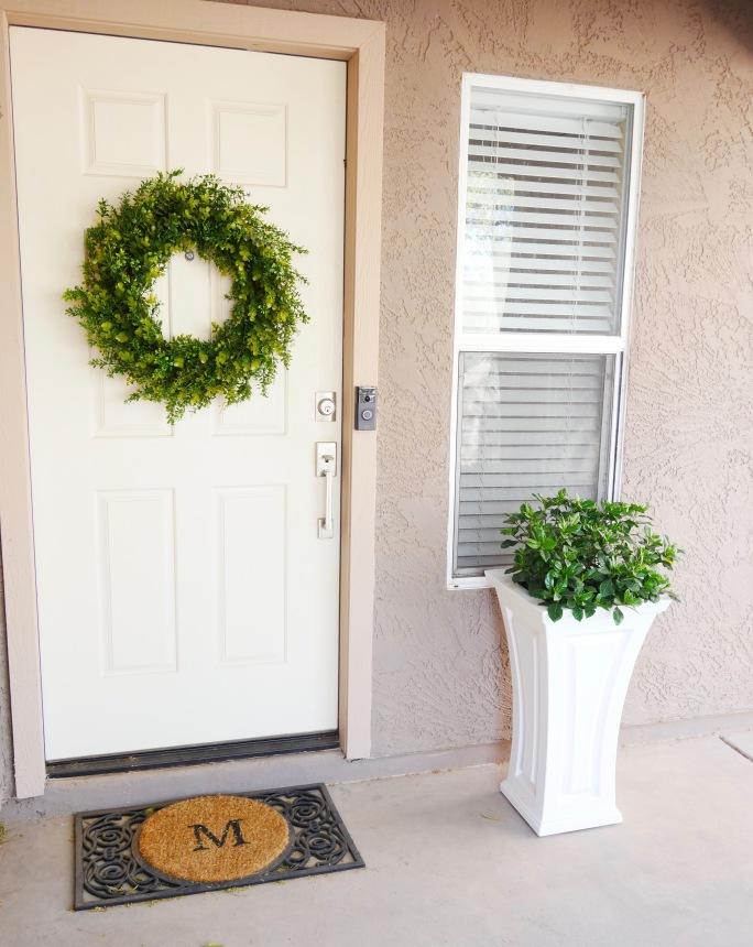 Pretty Little Front Door {Details Blog}