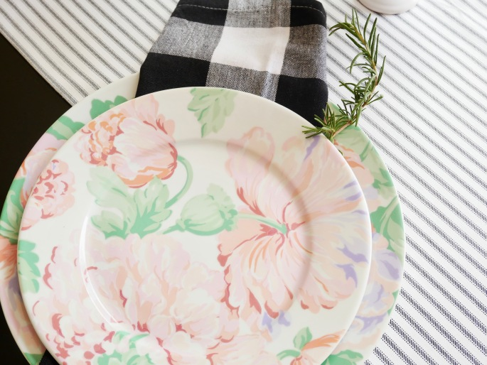 A Sentimental Spring Table Setting {Details Blog}