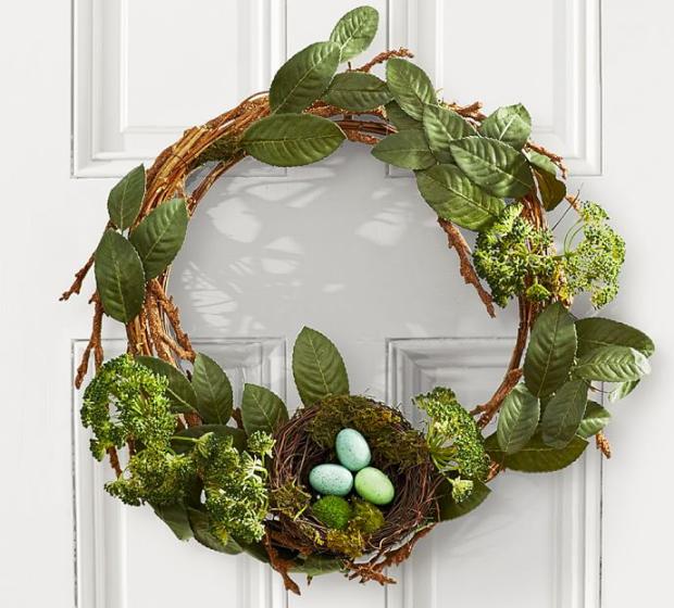 Simple DIY Spring Easter Wreath {Details Blog}