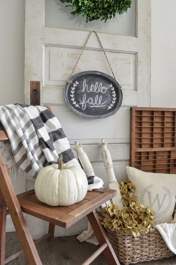 Simple Fall Wreaths to Ease Into the Season {Details Blog}