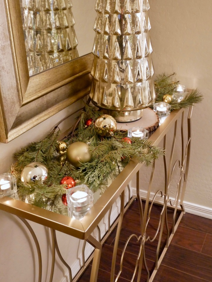Happy New Year! + Our Christmas House {Details Blog}