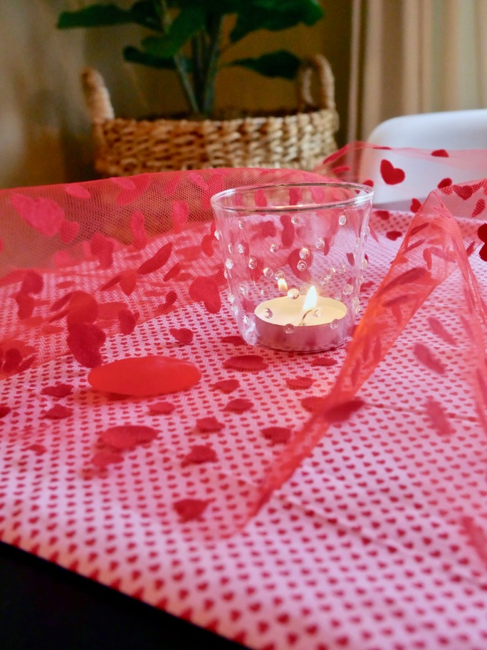 DIY Valentine's Day Table Runner {Details Blog}