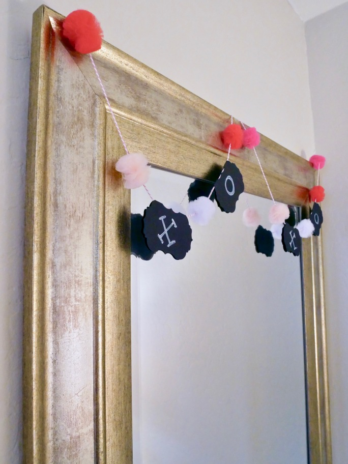 Simple Valentine's Day Garland + Centerpiece {Details Blog}