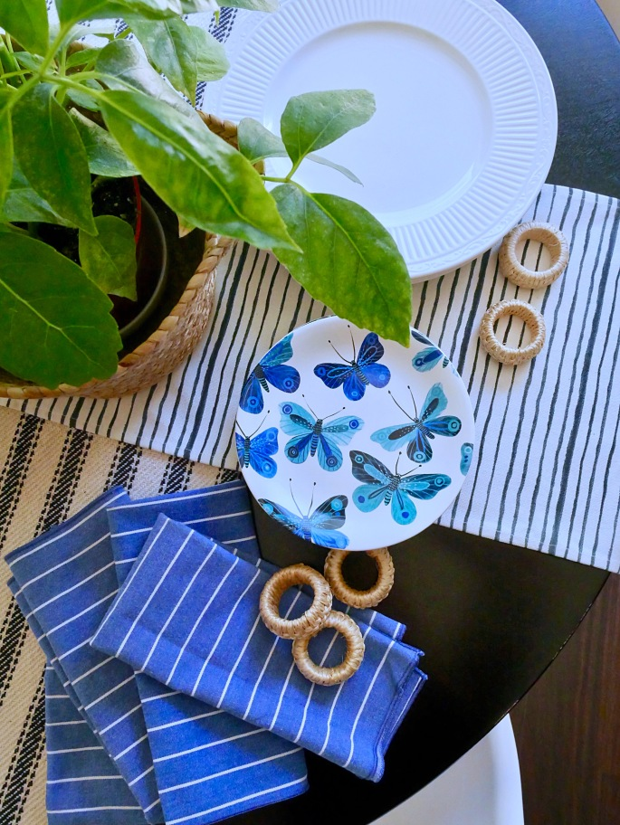 Simple Summer Table Setting - Details Blog